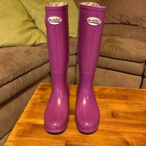 RockFish Tall Adjustable Gloss Supaberry Wellies.
